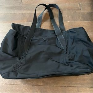 Lululemon Out of Range Bag Tote Black 28L